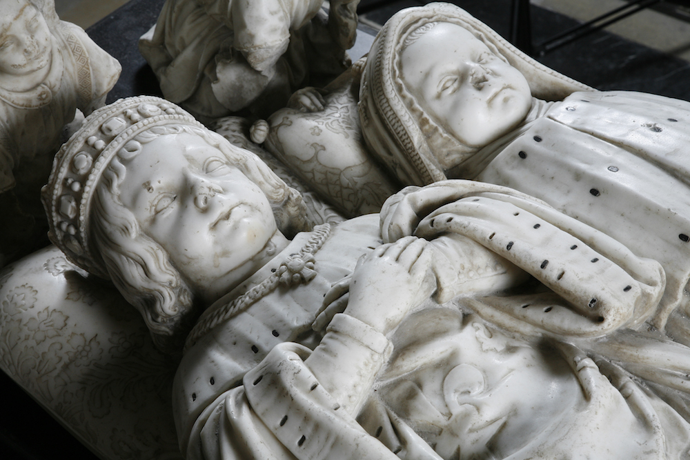 Gisants des dauphins Charles-Orland et Charles (morts en 1495 et 1496), cathédrale Saint-Gatien de Tours